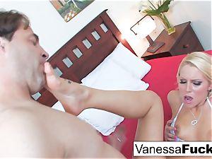 Vanessa cell Lets Eric John jizz inside