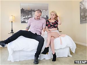 plunging Lexis' fanny with some new nut nectar feels super-sexy