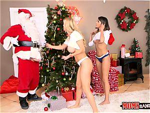 deepthroating off Santa