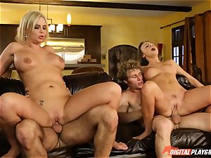 Family intercourse lessons with stepmom and step-father - Phoenix Marie and Alexis Adams