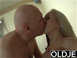 insane Morning hookup older youthfull porno girlfriend plumbed jizm