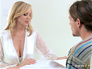 Julia Ann gives her some never-to-be-forgotten fuck-fest lessons