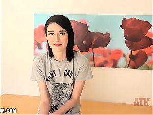ultra-cute Ivy Aura interview