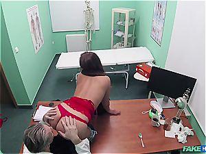 Hidden cam fuck-fest in the doctors office