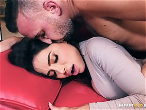 mischievous curvy huge backside milf Lela star takes on Keirans pink cigar
