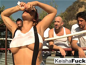 super stellar Keisha gets ready for her gang-fuck