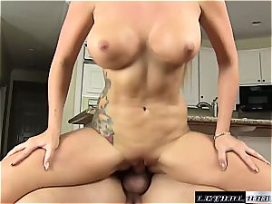 nympho cougar Savana requires a rock-hard plow and cum for her obese booty