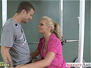 killer Phoenix Marie at the gym getting penetrated
