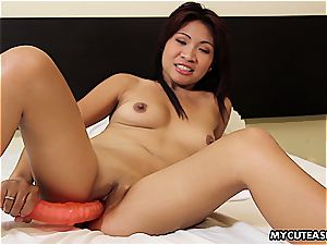japanese cutie flaunts her trimmed fuckbox and wanks