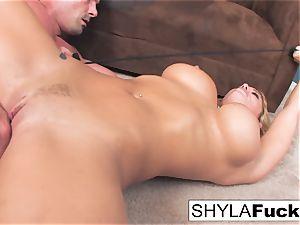 Shyla's hard ass fucking plumb and a facial cumshot