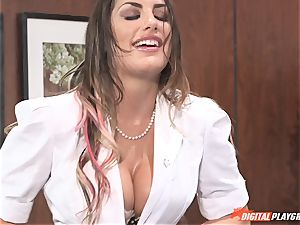 Bad brunette August Ames bounces on man-meat