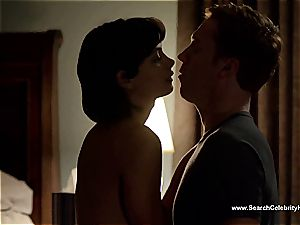 impressive Morena Baccarin looking uber-sexy naked on film