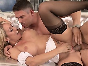 jaw-dropping maid Capri Cavanni pounded by a insane customer