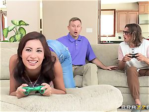 Jade Jantzen puts two men off their movie games