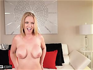 Real cougars - huge tit cougar point of view with Rachael Cavalli