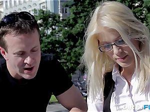jizz shot On Glasses Makes Nerdy chick happy