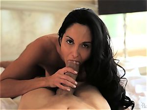 mummy Ava Addams knows exactly how she luvs it