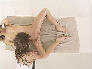 Kiara gets an incredible ejaculation from Rebel's fingers
