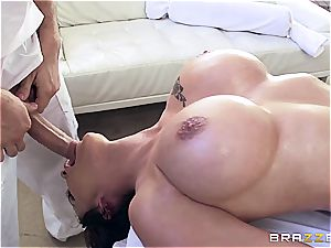 huge-titted Peta Jenese receives hardcore rubdown