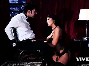 super-hot Swinger Romi Rain strips And Blows Her client