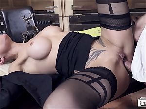 cabooses BUERO - molten German milf plumbs manager at the office