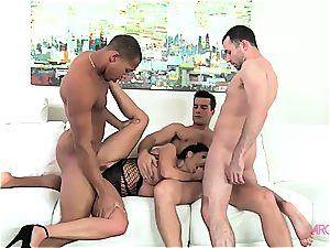 Ava Addams first-ever ever gang-fuck penetrating