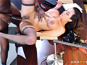 insatiable office joy with Ariella Ferrera