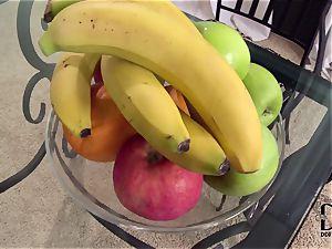 Banana luving lesbians