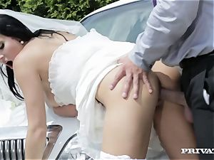 sloppy bride takes her chauffeur's knob before her wedding
