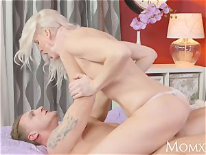 mommy Heavenly ash-blonde milf hungers boner in bald labia