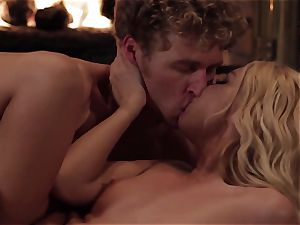 Aaliyah enjoy calms her guy with some warm fuck-fest
